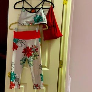 Lululemon floral capri and matching sports bra